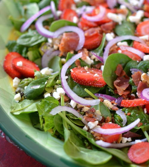 Strawberry Bacon Salad with Honey Poppy Seed Dressing | RecipeLion.com