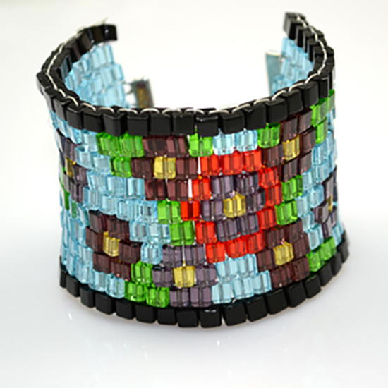 http://d2droglu4qf8st.cloudfront.net/2016/06/287108/Beaded-Cuff-Bloom-Bracelet_Large600_ID-1728812.jpg?v=1728812
