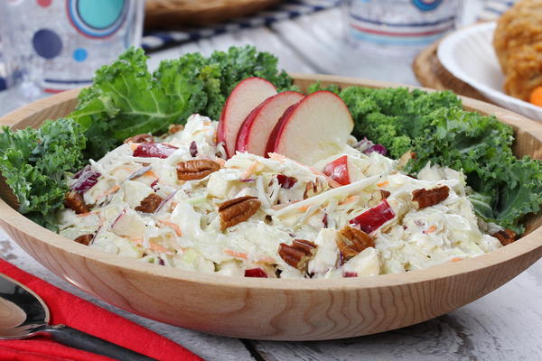 Apple Coleslaw with a Kick