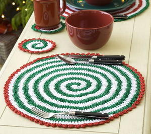 Christmas Pinwheel Placemat and Coasters
