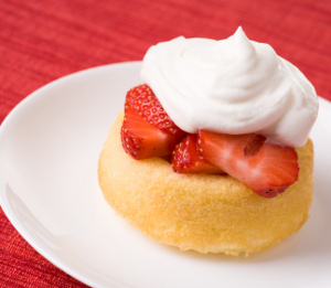 A Strawberry Shortcake Dessert Is The Perfect Way To End Meal And This Bisquick Couldnt Be Easier One Of