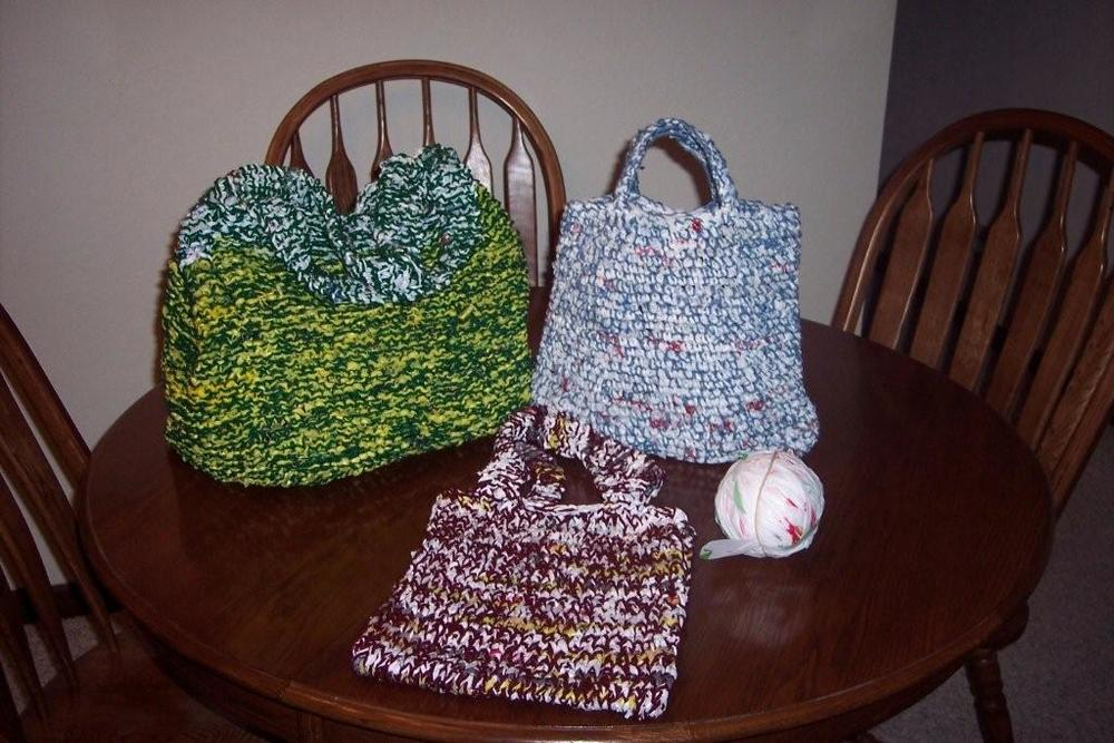 How to Make Plarn, Plastic Bag Yarn