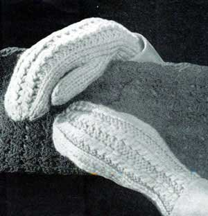 Ladies Mocked Stitch Cable Mittens