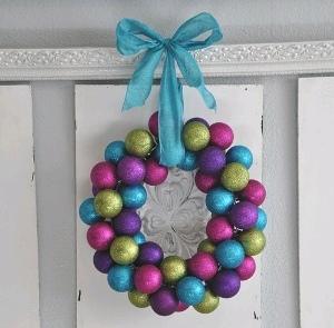 Dollar store ornament wreath favecrafts domestic fashionista ornament wreath solutioingenieria Gallery