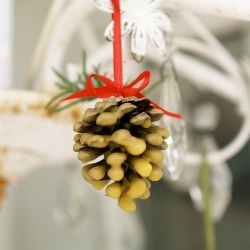 Wax Dipped Pine Cone Ornaments