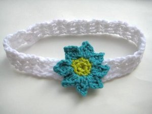 Baby headband with flowers allfreecrochet making crochet flowers is really fun especially when you have a baby headband with flowers use bright colors and this free crochet pattern to make a great dt1010fo