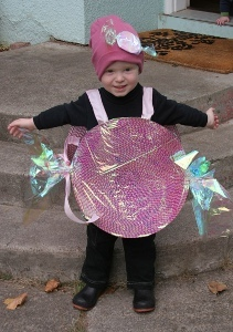 $5 No-Sew Candy Costume