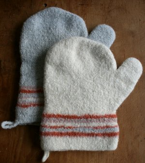 Felted Thanksgiving Oven Mitts