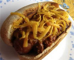 Slow Cooker Chili Coney Dogs