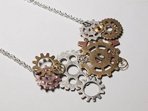 DIY Steampunk Gears Necklace