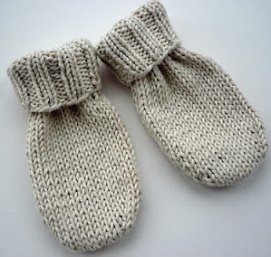 Knitting Patterns For Baby Mittens And Booties : Little Baby Mittens AllFreeKnitting.com