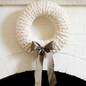 Finger Knitting Cozy Wreath