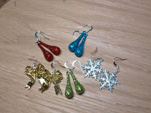 Easy Christmas Earrings
