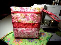 Vera Bradley Quilted Zipper Bag | FaveQuilts.com : quilted bags like vera bradley - Adamdwight.com