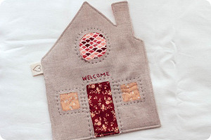 Cozy Little Cottage Mug Rug