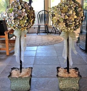 Jaw dropping origami paper flower topiary allfreediyweddings jaw dropping origami paper flower topiary mightylinksfo