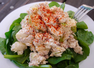 Tuna Salad with Green Apple and Egg