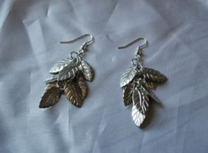 10-Minute Leaf Earring Tutorial