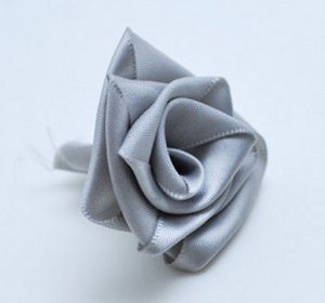 Ridiculously Easy Ribbon Rose Tutoria
