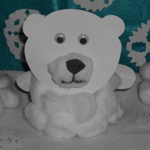 Paper Plate Polar Bear & 40+ Stunning Winter Paper Craft Ideas | AllFreePaperCrafts.com