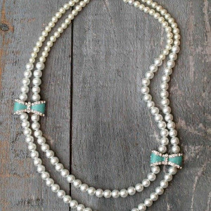 Pearls and Bows Necklace