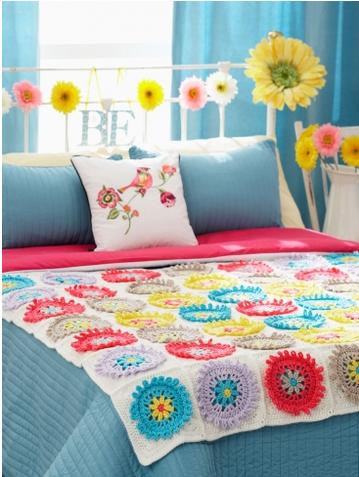 Gerber Daisy Afghan And Pillow Allfreecrochetafghanpatterns