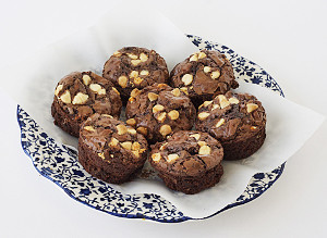 So Easy Stuffed Brownie Bites