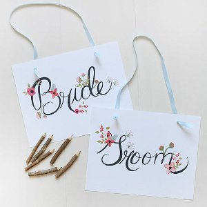 Floral Wedding Signs for Bride and Groom