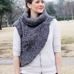 Free Knitting Pattern For Katniss Cowl : Katniss Cowl Pattern AllFreeSewing.com