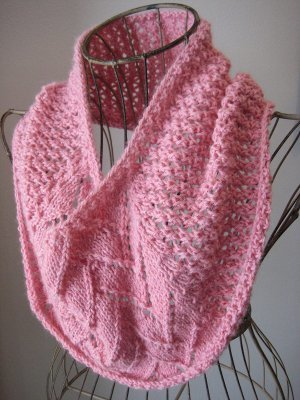 One Skein Strawberries And Cream Cowl Allfreeknitting