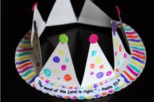 King Josiah Crown Paper Plate Crafts