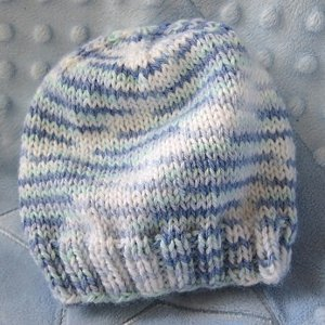 Knitting Patterns For Hats Using Circular Needles : Breezy Baby Beanie AllFreeKnitting.com