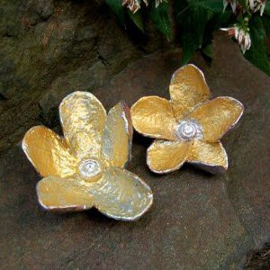Golden papier mache flowers allfreepapercrafts golden papier mache flowers mightylinksfo
