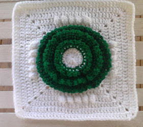 Christmas Wreath Crochet Granny Square