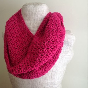 26 crochet infinity scarf patterns allfreecrochet bright and berrylicious infinity scarf dt1010fo