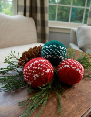 Nordic Holiday Centerpiece