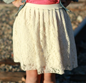 Lovely Lace Skirt Tutorial
