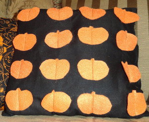Simple Felt Pumpkin Pillow