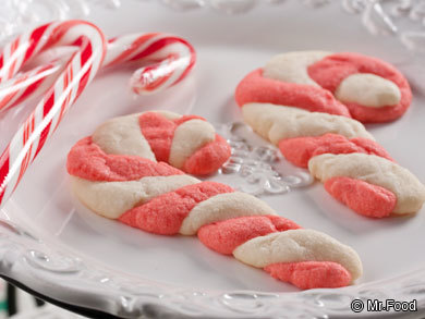 Homemade christmas gifts 20 easy christmas recipes and holiday homemade christmas food gifts candy cane cookies forumfinder Image collections