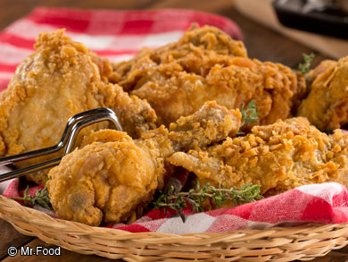 Southern fried chicken recipes 10 easy fried chicken recipes moms fried chicken forumfinder Image collections