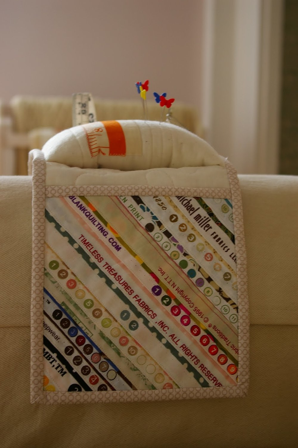 35+ of the Cutest Pincushion Patterns You've Ever Seen ... : quilted pincushion patterns - Adamdwight.com