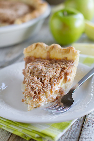 Deb's Favorite Sour Cream Apple Pie