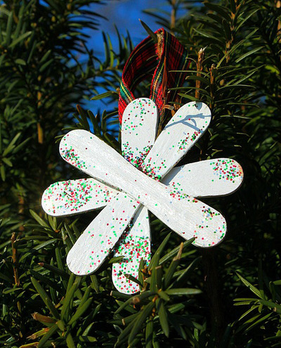 Easy Craft Stick Snowflake Ornament