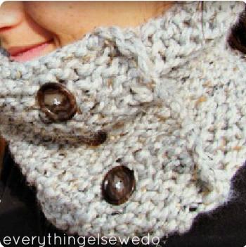 Button Up Cowl   AllFreeKnitting.com