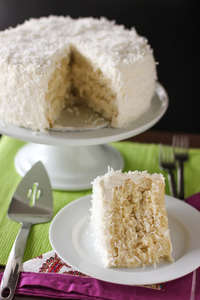 9 Deliciously Easy Coconut Cake Recipes
