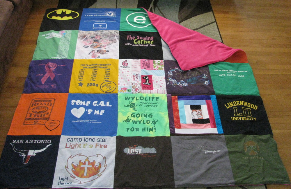 Easy diy t shirt quilt for How to make t shirt quilts easy