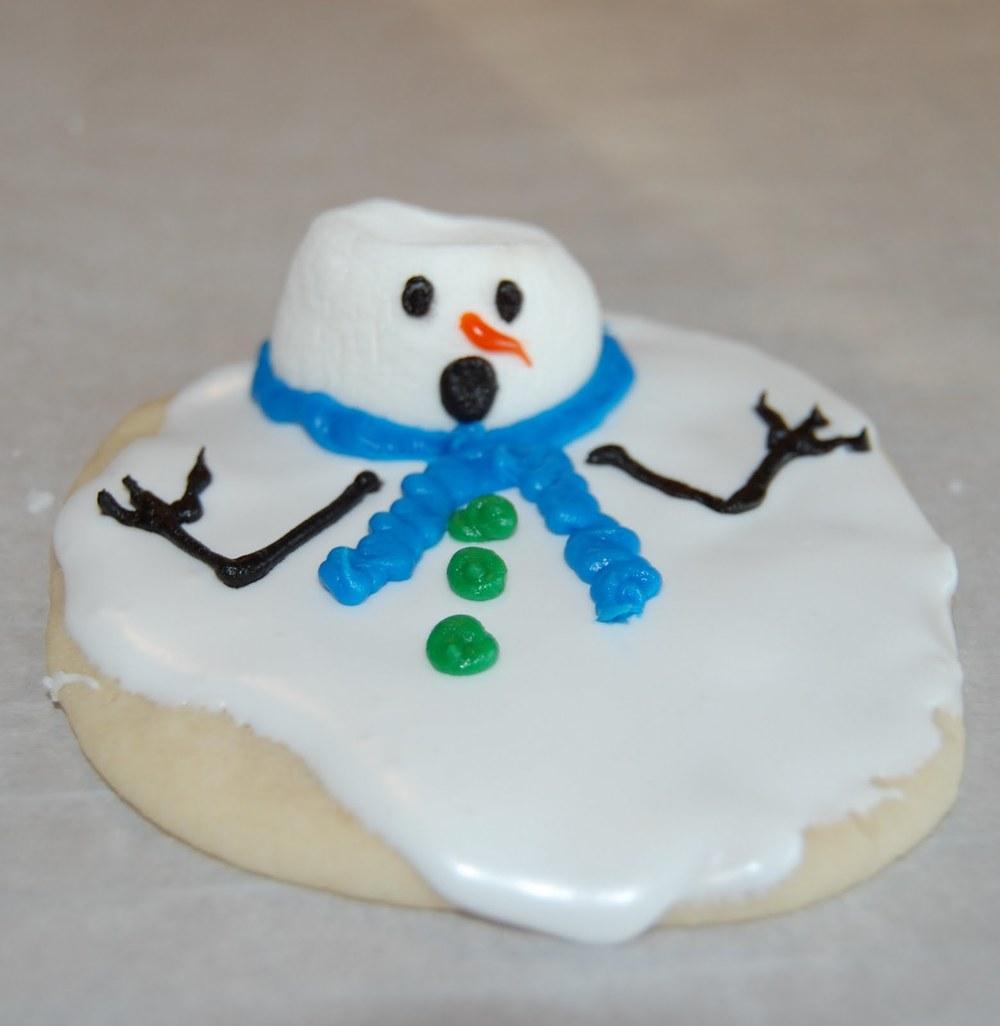 Iu0027m Melting Snowman Cookies AllFreeHolidayCraftscom