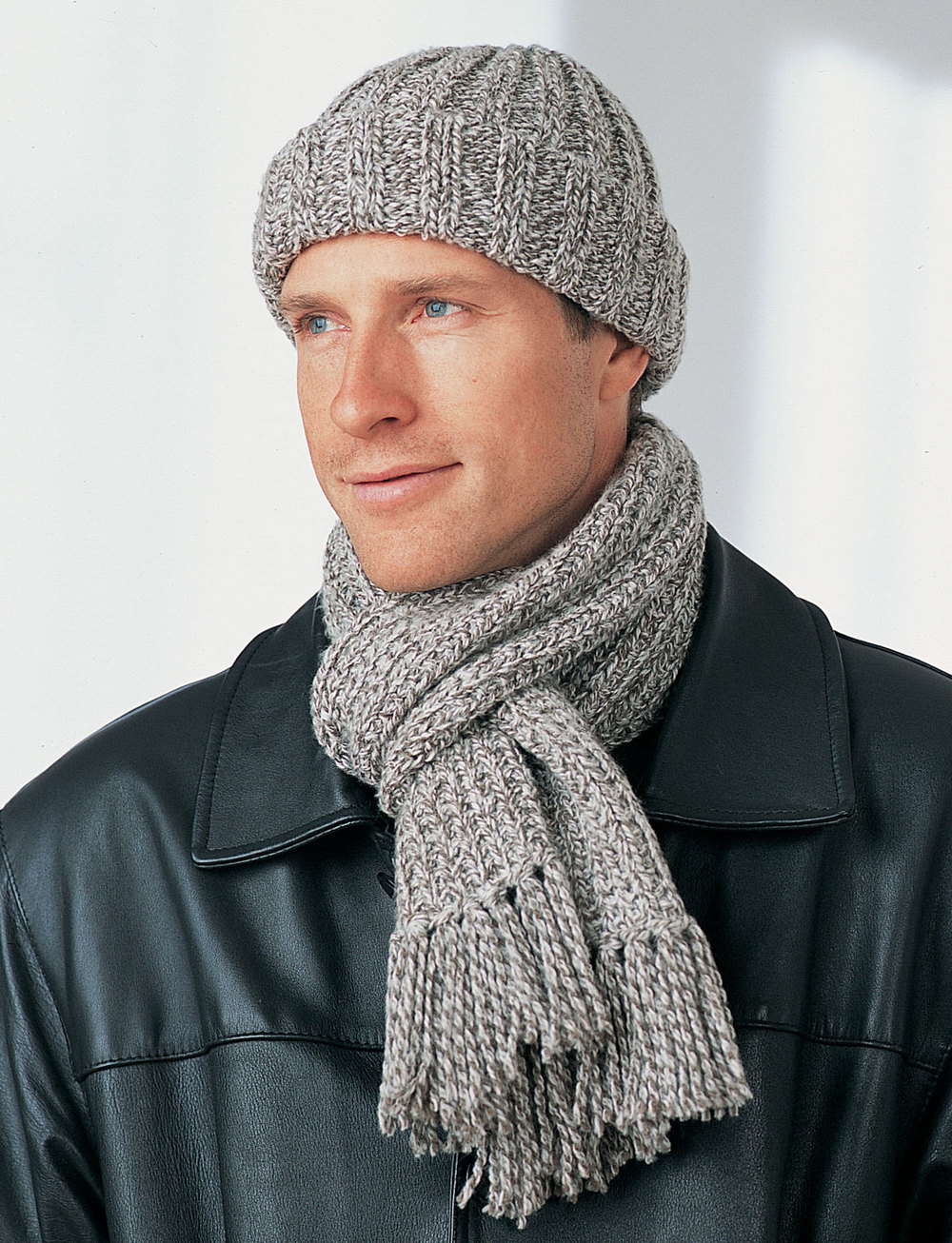 59 free scarf knitting patterns favecrafts mens winter hat and scarf bankloansurffo Image collections