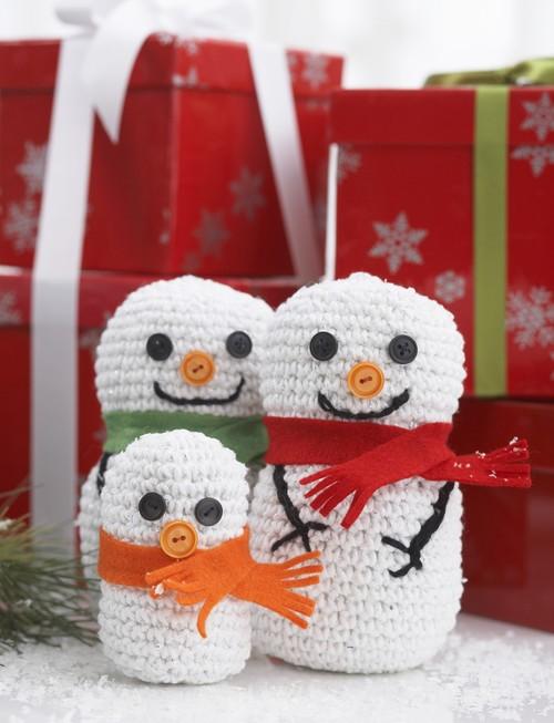 crochet snowman family favecrafts com