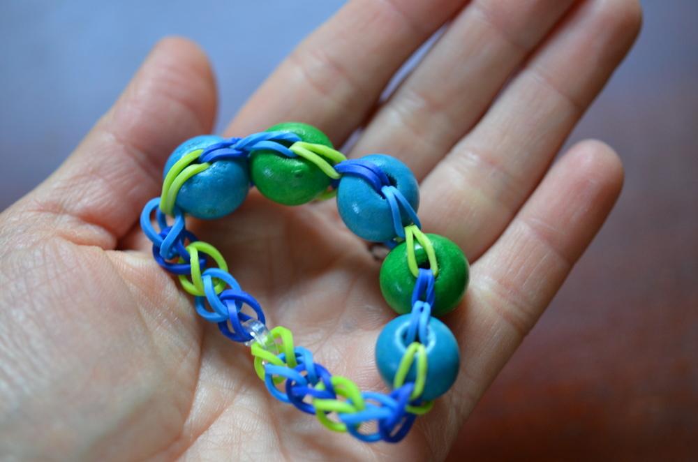 Easy Bead Rainbow Loom Bracelet AllFreeKidsCrafts